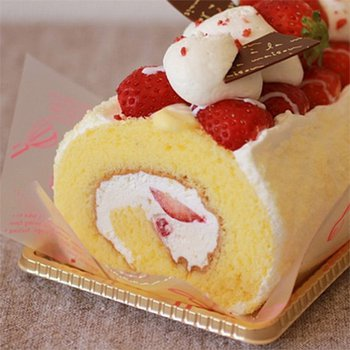 Cake Gulung Strawberry